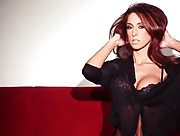 Amazing hottie with nice boobs pulls down her black lingerie