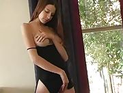 Sexy lady jills her wet pussy