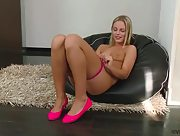 Have some fun with naughty blonde hottie Vanda Lust