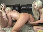 Jana Jordan Sammie Rhodes and Lux Kassidy in hot oral action on the floor