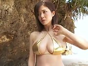Alluring hottie Mari Takamiya bares her smoking hot body in Mari Sanpo Scene 4