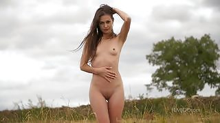 Majestic babe Demi Fray exposes her slender figure while posing naked