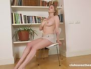 Bella Breeze loves to play with her love hole while posing