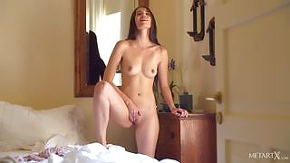 Vanessa Angel will stun you with her solo action on the bed
