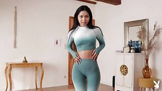 Chloe Rose gets her sexy figure out of yoga outfit and playfully presents it for us