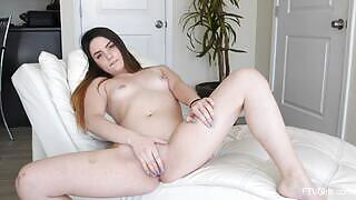 Smoking damsel Kinsley charming in The Midwest Teen 3